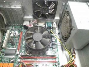 パソコンのメンテナンス。内部のホコリをとる。画像2