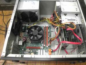 パソコンのメンテナンス。内部のホコリをとる。画像5